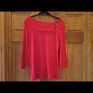 Red 3/4 length sleeve sweater